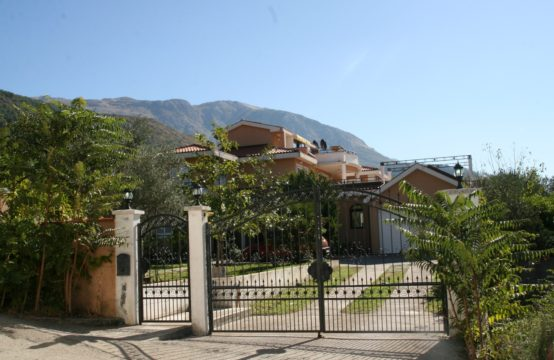 Kavac near Kotor – Family Villa – Sea vieuw -Swimming pool