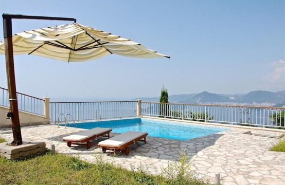 Budva – House in Carsko selo – Swimming pool- near Sveti stefan