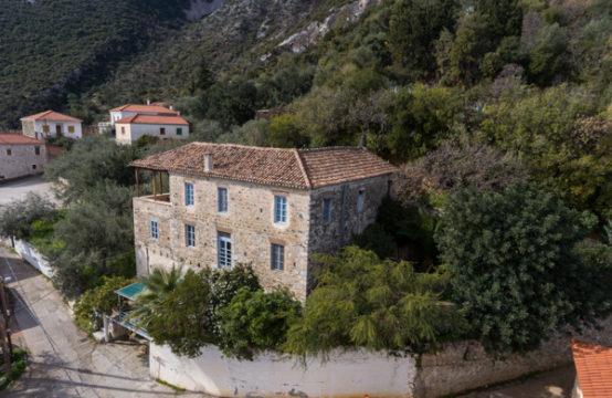 Pera Melana, East Peloponnese – Arcadian Coast Castle House